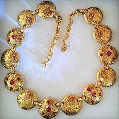 Collier-necklace-magnifique-en-metal-plaque-or-pierres-rouges-vintage-luxe-KIWI