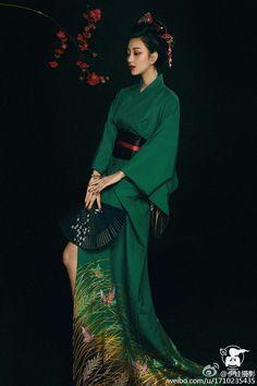 Japanese Beauty, Japanese Girl, Asian Beauty, Japanese Lifestyle, Traditional Japanese Kimono, Chinese Clothing, Oriental Fashion, Japanese Outfits, Japan Fashion