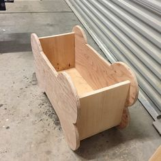 How to build a toy box for dog toys