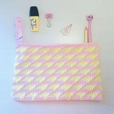 "Alex from Vienna auf Instagram: ""Love this stitch and colours 💕 #crochet #crocheting #crochetlove #crochetaddict #crochetastherapy #craftastherapy #crochetgirlgang…"" Handmade Clutch, Crochet Clutch, Bag Patterns, Girl Gang, Vienna, Etsy Store, Crocheting, Blankets, Stitches"