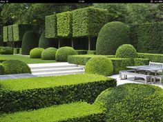Looking For Easy Landscaping Tips? Modern Landscape Design, Garden Landscape Design, Modern Landscaping, Landscape Architecture, Backyard Landscaping, Landscaping Design, Garden Hedges, Topiary Garden, Garden Pool