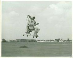 Картинки по запросу jetpack jb 10 engine РАНЦЕВРЕ РАКЕТНРЕ И yes that is a flying chair