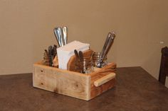 Rustic Mason Jar Napkin and Utensil Holder by BigSkyRustics Cutlery Caddy, Silverware Holder, Wooden Utensil Holder, Utensil Organizer, Wood Projects, Woodworking Projects, Old Wood Table, Rustic Mason Jars, Wood Router