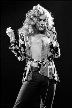 Led Zeppelin, Robert Plant, 1975 © Lynn Goldsmith