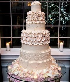 A special cake for the best day of your life!