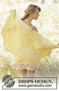 """Spring Splendor - Knitted DROPS shawl in garter st with lace pattern and zig zag pattern in """"Cotton Merino"""" - Free pattern by DROPS Design"""