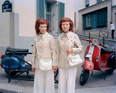 Monette & Mady, Inseparable Twins Maja Daniels is a Swedish independent photographer who has created this project about the life of Paris-based identical twins Monette and Mady who have lived their whole life closely together and are inseparable. Diane Arbus, Vivian Maier, Street Photography, Portrait Photography, Photography Awards, Inspiring Photography, Candid Photography, Modern Photography, People Photography