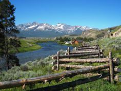 My favorite mountain range.. Idaho, Sawtooth mountains.. I LOVE TO VISIT HERE!!