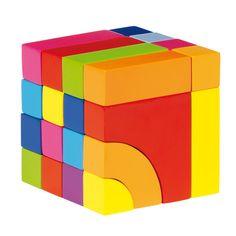 Vrolijk gekleurde houten blok- en legpuzzel. Geschikt voor kindjes vanaf 2 jaar. Te vinden bij Sassefras Meisjes Speelgoed voor écht peuter en kleuter speelgoed.