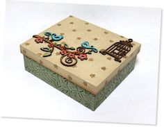 Artesanato em Madeira - Caixas em MDF Decoradas Passo a Passo — Cursos | Revista Artesanato Diy Furniture Projects, Diy Wood Projects, Wood Crafts, Diy Crafts For Gifts, Crafts To Make And Sell, Small Curtains, Painted Wooden Boxes, Painting Wooden Furniture, Diy Bed Frame