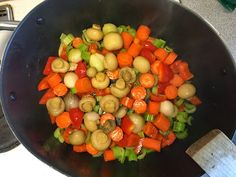 Bouillabaissea ja Kalasoppaa: Burgundinpata Slow Food, Ratatouille, Fruit Salad, Ethnic Recipes, Fruit Salads