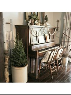 Farmhouse Christmas  at home on SweetCreek