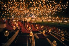 Stunning Photos of Chiang Mai's Floating Lantern Festival - My Modern Metropolis    this is magical!!
