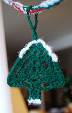 A Christmas Ornament Crochet-along (Free Pattern)