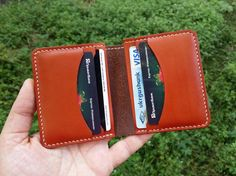 Minimalist Leather Wallet, Small Leather Wallet, Leather Card Wallet, Wallets For Women Leather, Leather Gifts, Cool Iphone Cases, Slim Wallet, Leather Accessories, Vegetable Tanned Leather