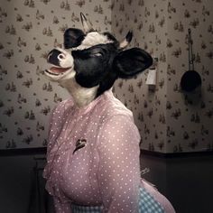 Aunt Effie knew how to clear the room Erwin Olaf, Animal Heads, Animal Faces, Arte Cyberpunk, Cow Art, Animal Party, Surreal Art, Fabric Painting, Collage Art