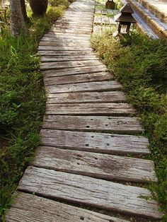 My Shed Plans - My Shed Plans - Traverses de chemin de fer recycles au jardin - Now You Can Build ANY Shed In A Weekend Even If Youve Zero Woodworking Experience! - Now You Can Build ANY Shed In A Weekend Even If You've Zero Woodworking Experience! Wooden Pathway, Wooden Garden, Wood Path, Wooden Walkways, Path Design, Garden Design, Design Ideas, Oberirdische Pools, Path Ideas