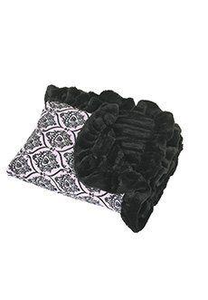 LOVE these designer blankets!  Facebook.com/ColossalCanine