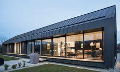 Villa Noir by Dravitzki Brown Architecture Zinc Cladding, Roof Cladding, House Cladding, Cladding Systems, Exterior Cladding, Roof Design, Exterior Design, House Design, Zinc Roof