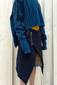 HIE 2015 - photo of a beautiful knitted pullover Knitwear Fashion, Knit Fashion, Look Fashion, Womens Fashion, Womens Knitwear, Fashion Outfits, Fashion Details, Fashion Design, Fashion Trends