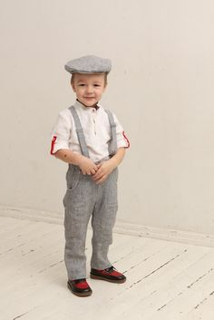 Boys linen wedding party outfit (sizes 2-8 years)  This listing includes: - linen shirt - linen pants - linen suspenders - linen flat or newsboy hat