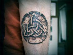 Celtic Brotherhood Knot Tattoo Pin irish brotherhood tattoos on . Small Hand Tattoos, Hand Tattoos For Guys, Tattoos For Women Small, Cool Tattoos, Celtic Knot Tattoo, Norse Tattoo, Christian Tattoos, Christian Christian, Christian Quotes