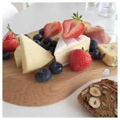 { happy friday all } #kos#food#cheese#skrudlafood#godtno#georgjensen