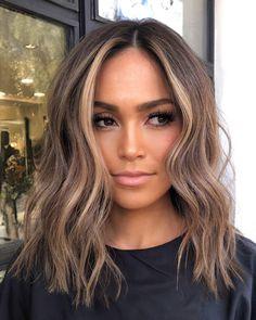 Baylage Short Hair, Short Brunette Hair, Brown Hair Balayage, Balayage Brunette, Hair Highlights, Hair Shades, Great Hair, Summer Hairstyles, Hair Dos