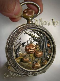 Steampunk Tendencies — Sinister Pumpkin Patch by All Natural Art Design Steampunk, Mode Steampunk, Style Steampunk, Steampunk Fashion, Gothic Steampunk, Steampunk Watch, Steampunk Halloween, Steampunk Rings, Steampunk Accessoires