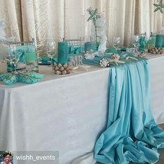 The Tablecloth coming down the front is so simple yet elegant 🤗 - Wordpress Themes and Plugins Beach Bridal Showers, Elegant Bridal Shower, Beach Wedding Tables, Decoration Evenementielle, Beach Wedding Centerpieces, Beach Themes, Green Weddings, Romantic Weddings, Wedding Tuxedos