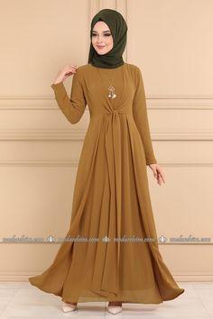 Front Tied Hijab Dress Tobacco – Moda Selvim Fall Plus Size Outfits From Kohls – Mini Capsule –. Simple Pakistani Dresses, Simple Dresses, Nice Dresses, Hijab Outfit, Hijab Dress, Islamic Fashion, Muslim Fashion, Simple Abaya Designs, Abaya Fashion