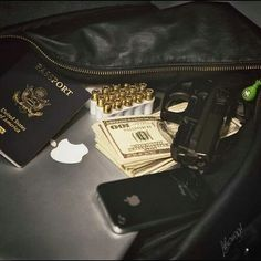 Immagine di money, gun, and iphone