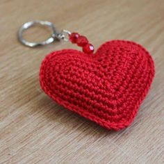 Artículos similares a Red Crochet Heart Keyring en Etsy ideas for crochet key chain Valentine heart sachets for hangers or to tuck into drawers or shoes. Here are some crochet keychain patterns. Heart 2 (made of 2 faces) Crochet Keychain Pattern, Crochet Motif, Crochet Designs, Crochet Flowers, Knit Crochet, Crochet Patterns, Crochet Hearts, Crochet Toys, Heart Keyring