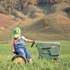 Growing up country good Land gut aufwachsen Country Babys, Country Farm, Country Life, Country Girls, Country Living, Country Music, Country Quotes, Country Roads, Cute Kids