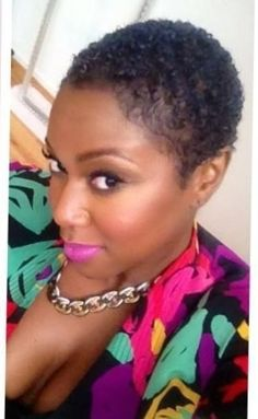 Best Guide for Black Women With Natural Hair. How to Care For Curly Hair & Natural Hair Short Cuts, Short Sassy Hair, Short Hair Cuts, Natural Hair Styles, Short Afro, Natural Curls, Natural Beauty, Twa Hairstyles, Black Hairstyles