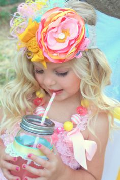 Child Photography | Clothing Inspiration | Fashion |Prop Ideas | Pose | Poses