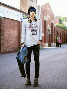 Asian men's fashion. <- that I wouldn't mind wearing either