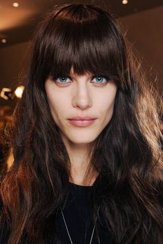 23 not-so-boring shades of brunette, brunette hair colours inspiration Shades Of Brunette, Brunette Hair, Fringe Hairstyles, Pretty Hairstyles, Emilio Pucci, Beehive Hair, Medium Long Hair, Medium Brown, Hair Heaven