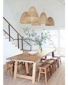 Coastal dining with natural woods