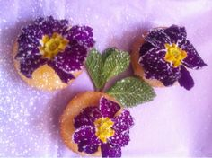 Pretty lemon bites with spring primroses - Made by Margie
