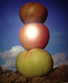 """Adaptations ms gs """"Haut comme trois pommes"""" sem 18 par Karine K2 K2, Ms Gs, 18th, Construction, Fruits And Veggies, Nursery Rhymes Kindergarten, Building"""
