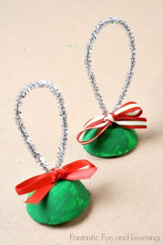 Egg Carton Bells Christmas Craft for Kids~Take them along caroling, use them while singing songs in class, or just make them to have fun playing at home!