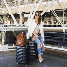 """""""Back to the airport!✈️ NeXT stop - São Paulo! ------- De volta no aero! Brasília foi muito especial ... OBRIGADA!!!✨ (No blog tem um Post de wishlist com…"""""""