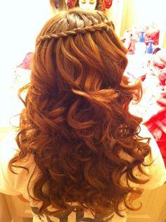 | waterfall braid with curls