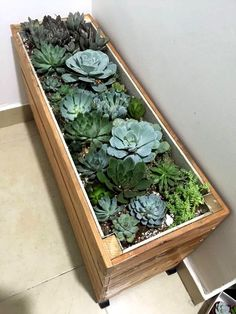Upcycled Wood Pallet Planter Box | 99 Pallets