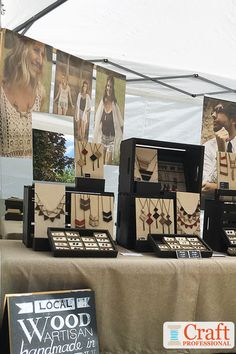 Jewelry OFF! Clever portable jewelry display ideas for your next craft show. 8 jewelry booth photos with resources to recreate the look yourself. Jewelry Booth, Jewelry Wall, Hanging Jewelry, Jewelry Show, Jewelry Armoire, Jewelry Holder, Diy Jewelry, Fabric Jewelry, Beach Jewelry