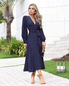 Outstanding women dresses are offered on our site. Have a look and you wont be sorry you did. Modest Fashion, Boho Fashion, Fashion Dresses, Womens Fashion, Fashion Design, Dot Dress, Dress Skirt, Wrap Dress Outfit, Classy Outfits