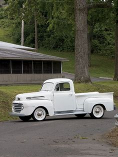 1950 Ford - Sold The Farm Saved A Truck - Classic Trucks Magazine - Hot Rod Hot Rod Trucks, Cool Trucks, Cool Cars, Antique Trucks, Vintage Trucks, Classic Chevy Trucks, Classic Cars, Pick Up, Classic Trucks Magazine