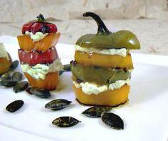Mini-poivrons à l'huile de courge et graines de courge | Une cuisine pour Voozenoo Quiches, Relleno, Panna Cotta, Pizza, Menu, Pudding, Ethnic Recipes, Desserts, Food