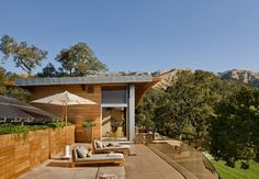Pristine Interiors and Great Ocean Views for the Coastlands Residence in California